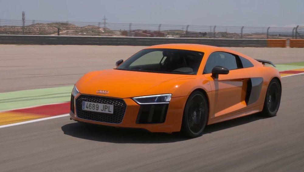 Audi-R8-Motorland.jpg