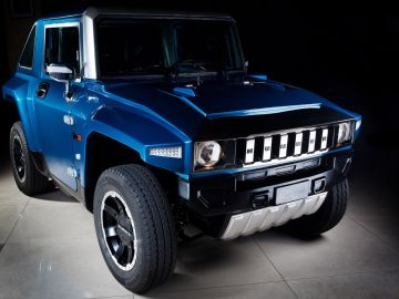 MEV%E2%84%A2-HUMMER-HX-Metallic-Blue-Front-View.jpeg