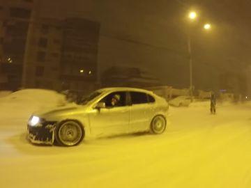 esqu%C3%AD-derrapes-en-la-nieve_Bucarest.jpg
