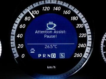 mercedes-attention-assist-2016-01.jpg