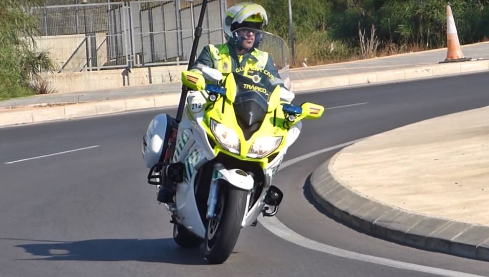 yamaha-moto-guardia-civil-trafico-0417-01.jpg