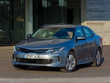 kia-optima-phev.jpg