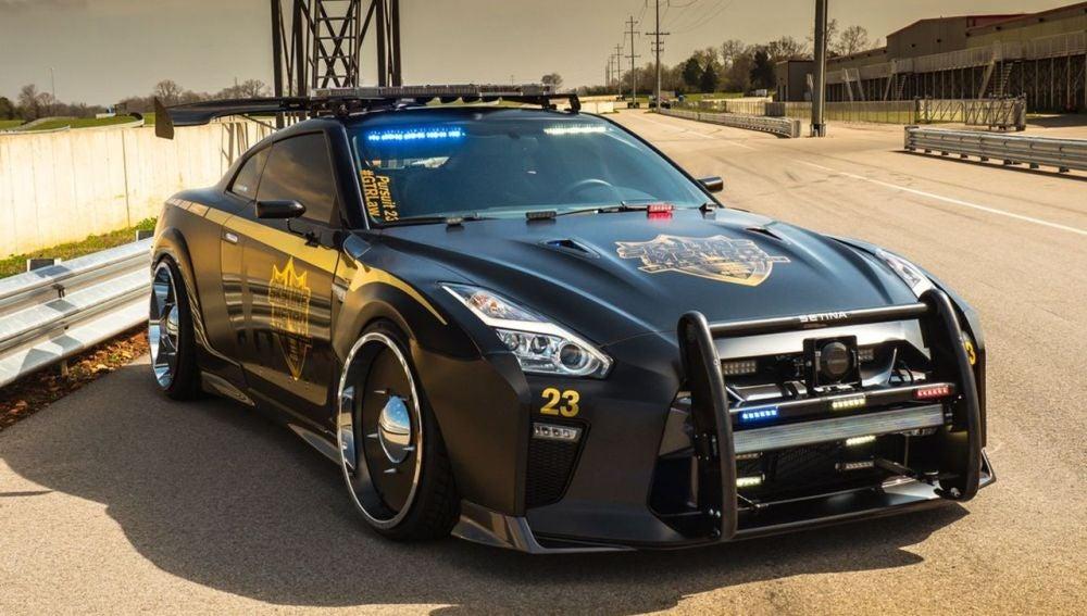 nissan-gt-r-coche-policia-0417-001.jpg