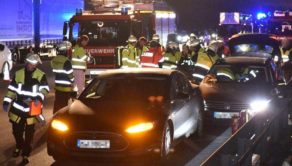 accidente-tesla-model-s-volkswagen-passat-desmayo-0217-01.jpg