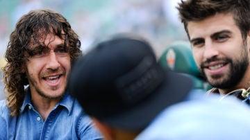Puyol y Piqué, antes de un partido