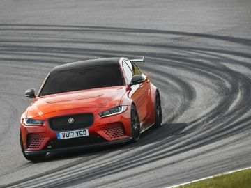 Jaguar_XE_SV_Project8_03-8.jpg