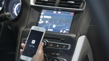 DS-4-Apple-carplay-1215-01.jpg
