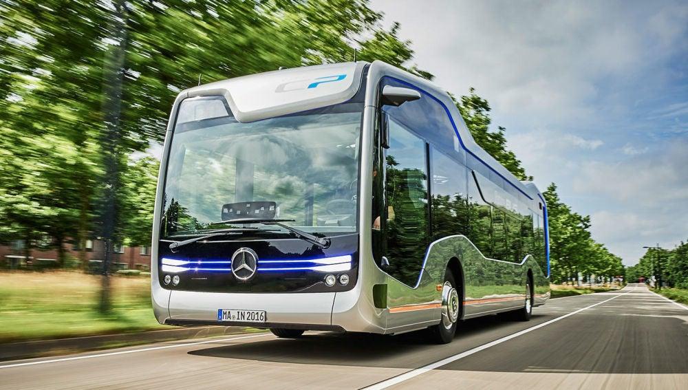 mercedes-autobus-autonomo-2016-01.jpg