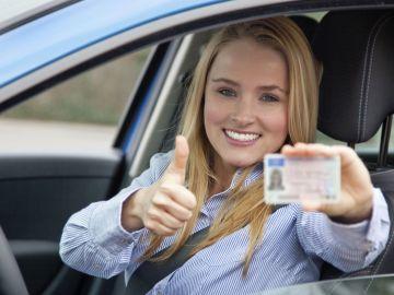 carnet-conducir-trafico-0617-01.jpg