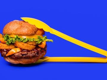 Las hamburguesas veganas de Impossible Foods huelen, saben y sangran como la carne animal recién hecha