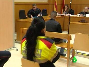 Un hombre es juzgado por intento de asesinato a un joven por ser homosexual