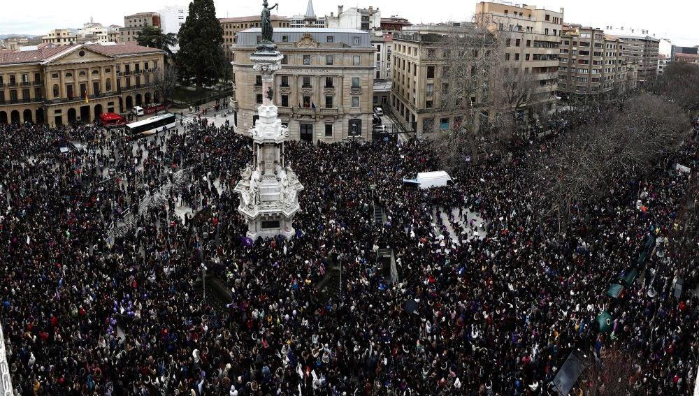 Miles de personas se han concentrado hoy, Día Internacional de la Mujer, en España