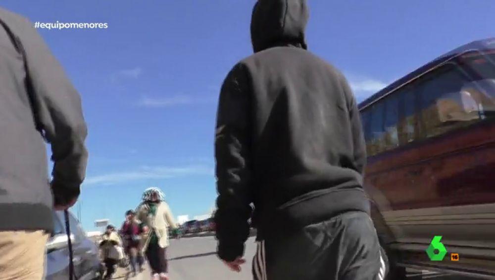 """El drama de Jarira y otros menores marroquíes que intentan llegar a España: """"Viste camuflada de chico para que no la violen"""""""