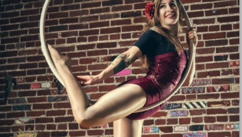 Lindy es bailarina aérea y se ligó las trompas a los 28 años