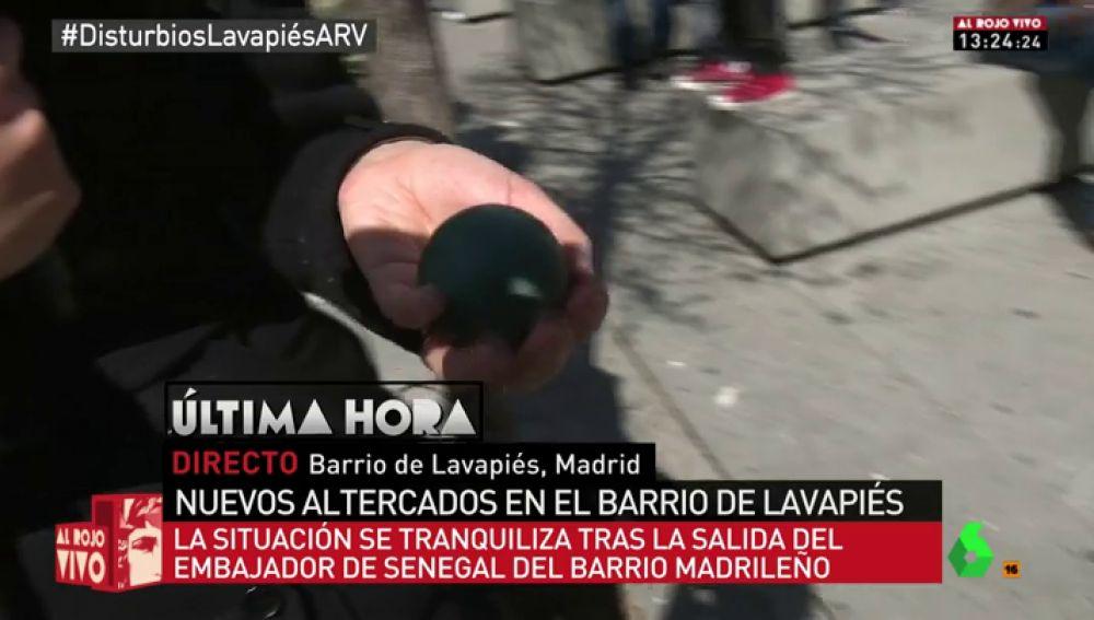 Pelota de goma disparada por la Policía en el barrio de Lavapiés