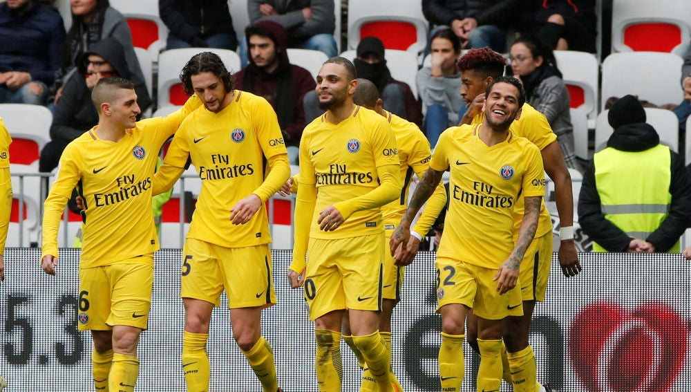El PSG celebrando la victoria ante el Niza