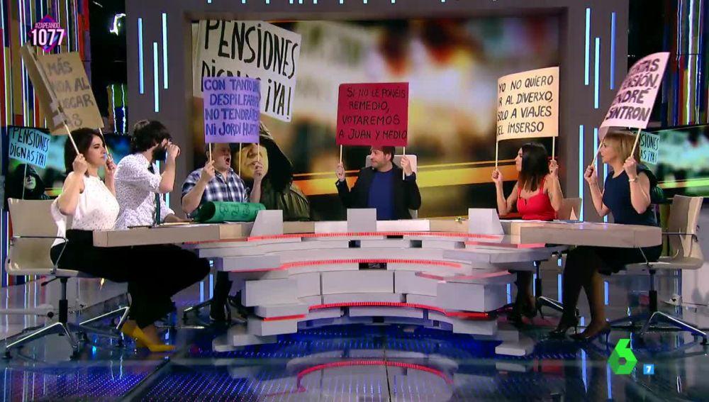Zapeando se suma a las protestas de los pensionistas con sus propias pancartas