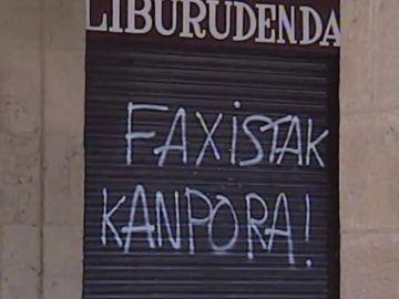 Lagun cumple 50 años: historia de la librería vasca que sobrevivió a Franco y a ETA vendiendo libros