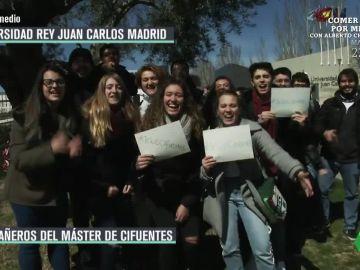Hablamos con los falsos compañeros de Cifuentes del máster de la Universidad Rey Juan Carlos