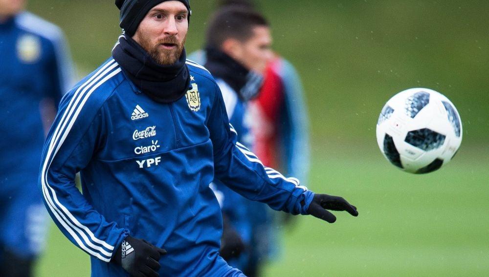 Messi entrena en Manchester con la selección argentina