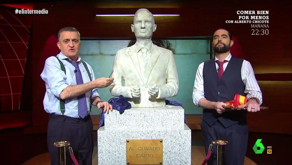 El Intermedio pone un monumento 'al cuñado caído', Iñaki Urdangarin
