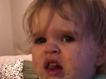 Polémica en las redes por la madre que da wasabi a su bebé y se ríe de su reacción
