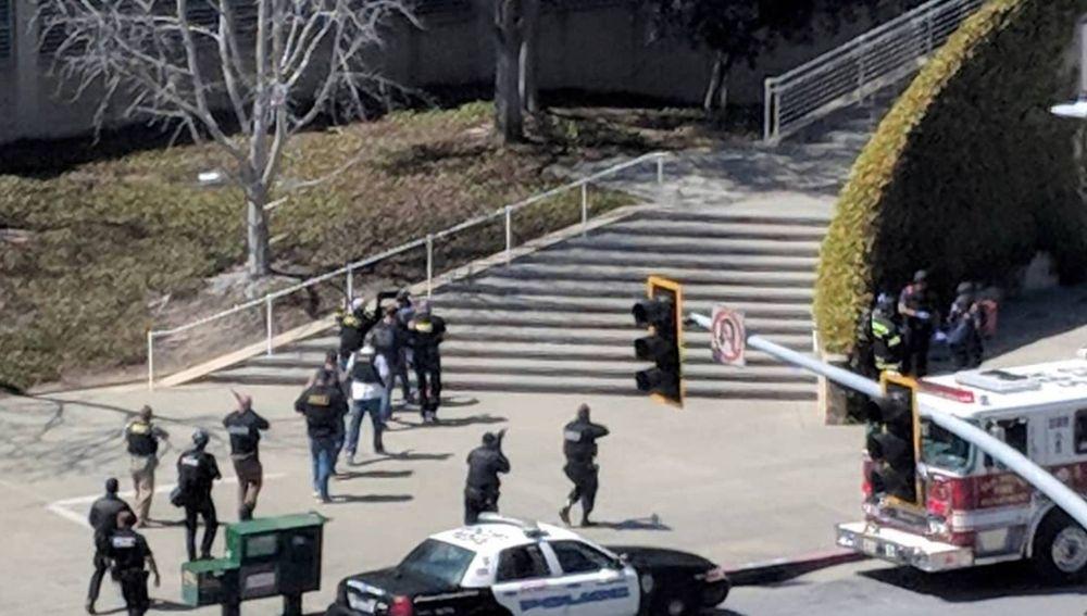 La Policía de San Bruno, en la sede central de Youtube