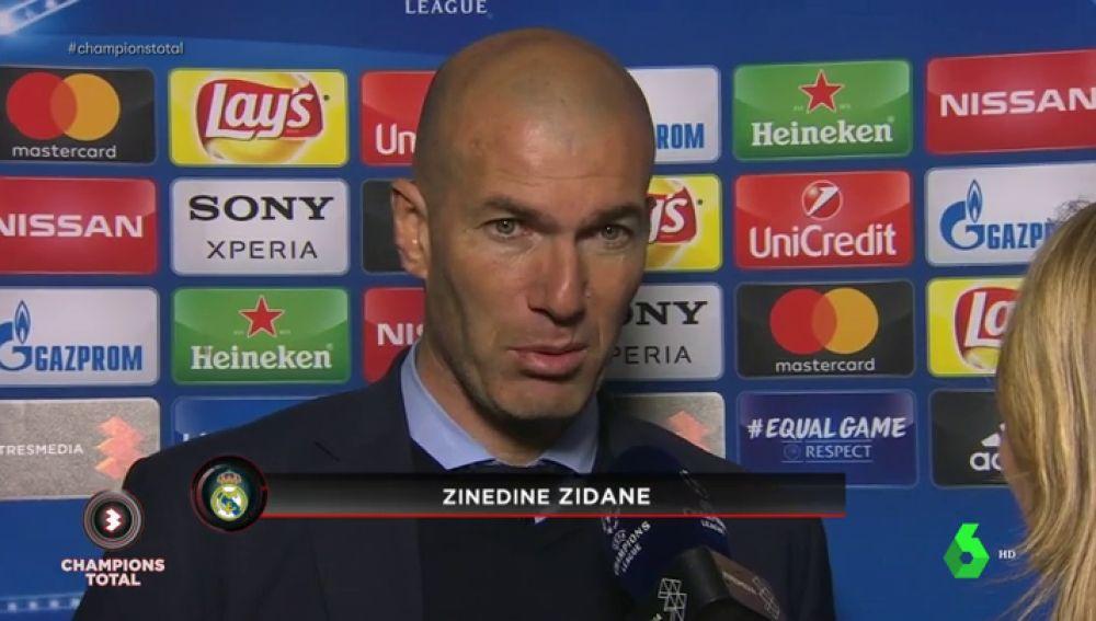 """Zidane: """"La chilena... es lo que tiene Cristiano"""""""
