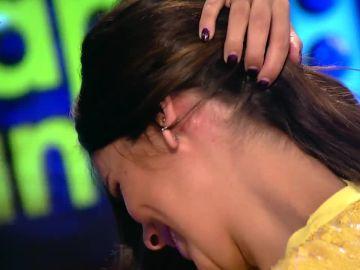 Cristina Pedroche, herida en Zapeando tras intentar partir una nuez con el cuello