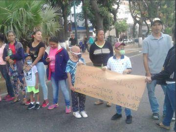 Niños venezolanos denuncian la falta de medicamentos