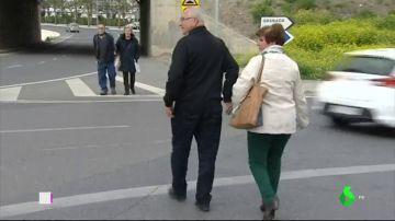 Los peatones piden un paso seguro para ir al Hospital de Armilla