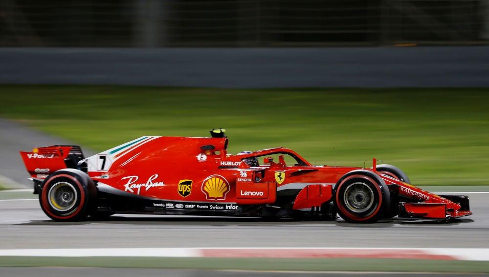 Raikkonen, rodando en el circuito de Baréin