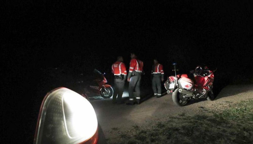 Operativo de la Polícia Foral montado a orillas del Ebro