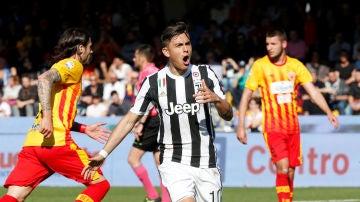 Dybala celebrando un gol al Benevento