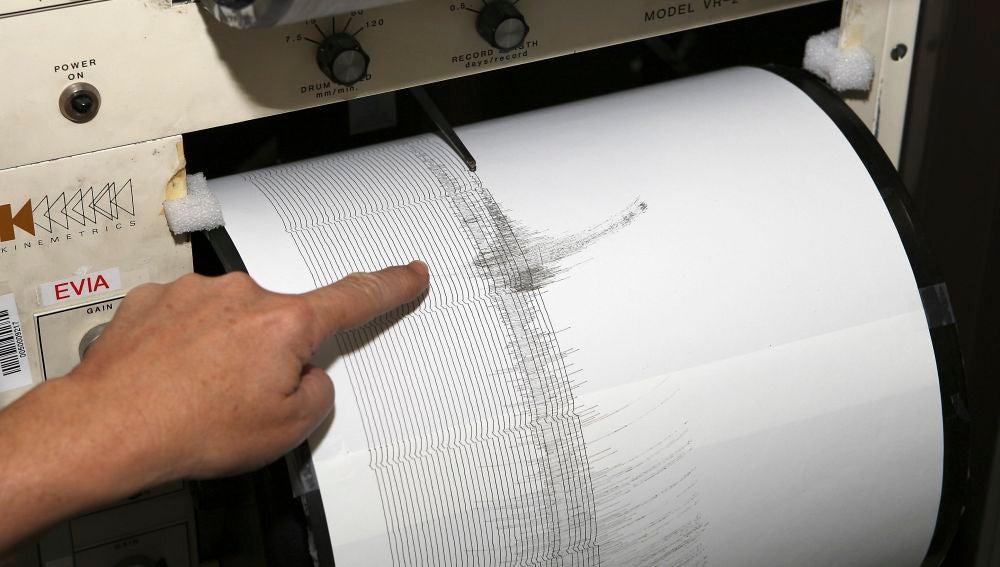En la imagen, un sismógrafo