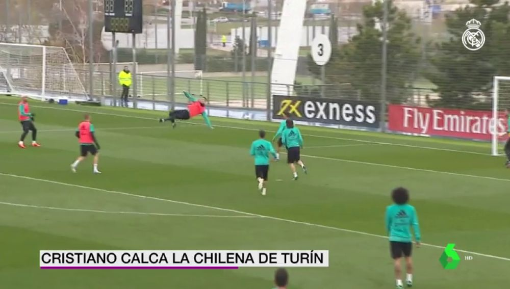 Cristiano repite su chilena contra la Juventus en el entrenamiento previo al derbi