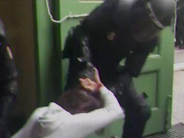 Cargas policiales el 1-O