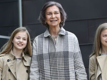 La reina Sofía y sus nietas, la princesa Leonor y la infanta Sofía