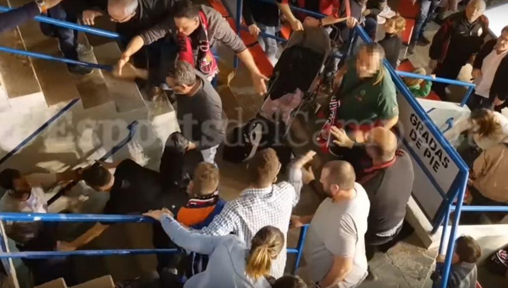 Brutal pelea entre seguidores del Reus