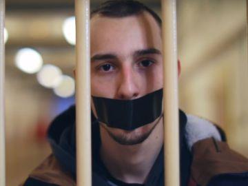 Fotograma del vídeo 'Los borbones son unos ladrones'