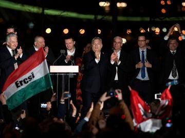 El primer ministro húngaro celebra la victoria de las elecciones