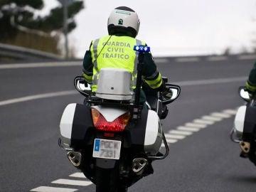 Tráfico comenzará a vigilar con motoristas camuflados