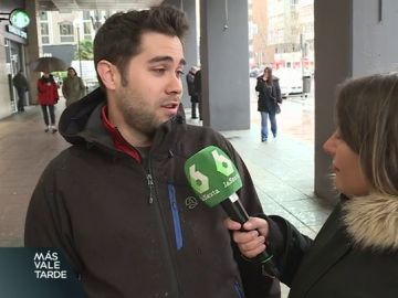 """¿Ayuda realmente un máster a encontrar un empleo de mayor calidad?: """"En España no sirven, aquí regalan los puestos"""""""