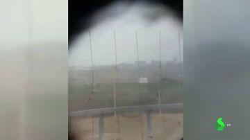 Francotiradores israelíes celebran que acaban de disparar en la cabeza a un palestino de Gaza