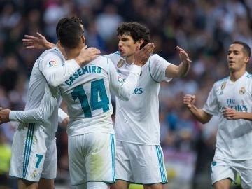 Vallejo celebra un gol con sus compañeros
