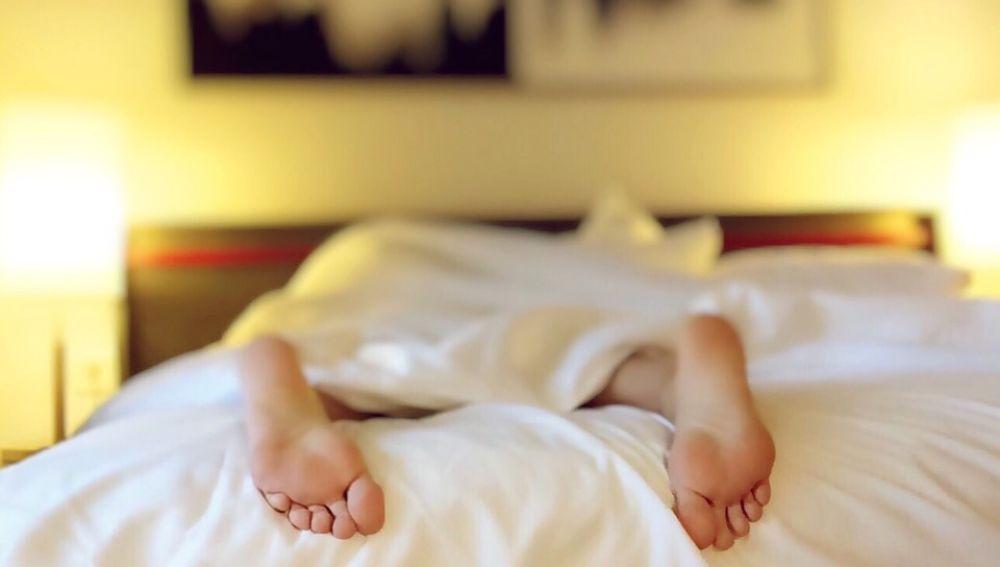 Dormir boca abajo es la peor opción para descansar bien
