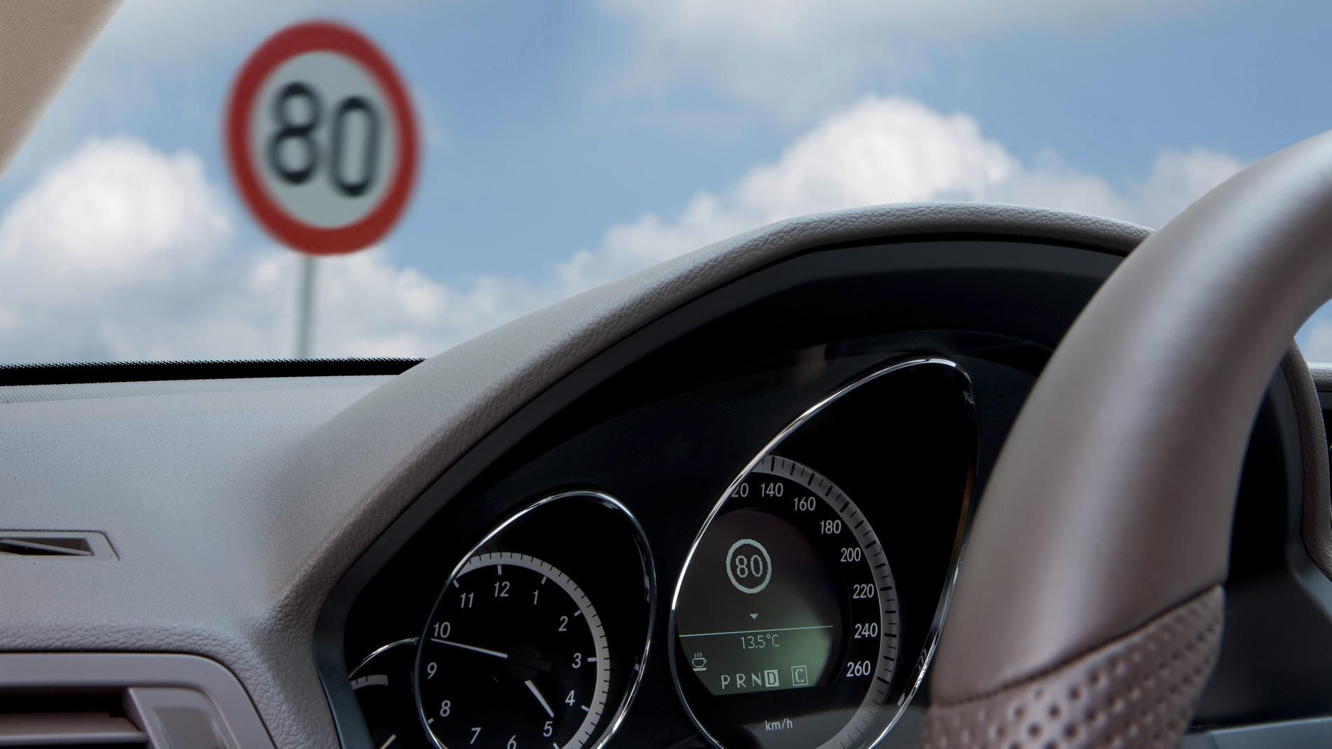 Señal límite de velocidad