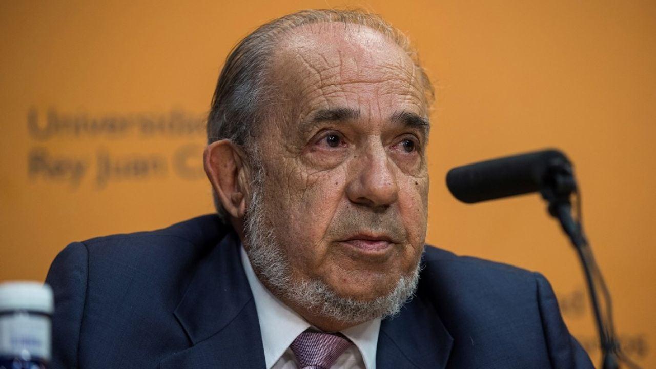 Fallece Enrique Álvarez Conde, director del máster de Cristina Cifuentes