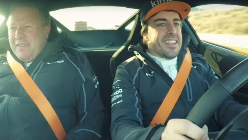 Fernando Alonso y Zak Brown