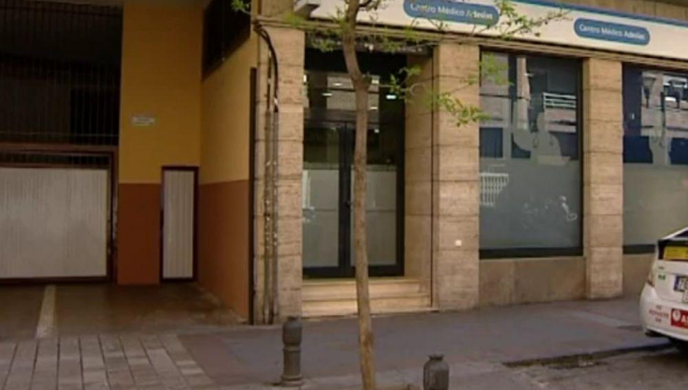 Lugar en el que un hombre apuñaló al asesino de su hija en Granada